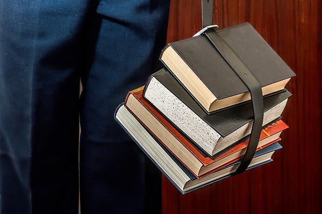 tlusté knihy.jpg